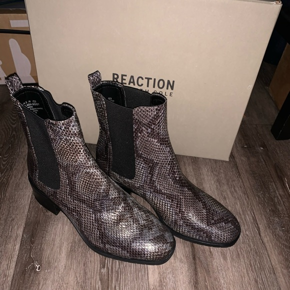 New Kenneth  Cole reaction boots